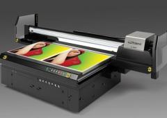 UV flatbed tiskárny